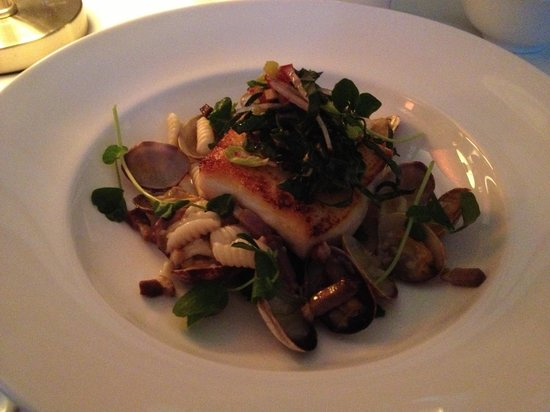 Bishop's : Halibut - special of the day