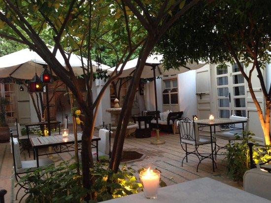 Riad Clémentine : Le patio