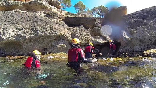 Experience Mallorca: Cliff jumping and sea caves