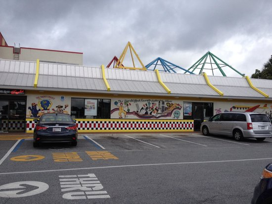 McDonald's: Plenty of parking
