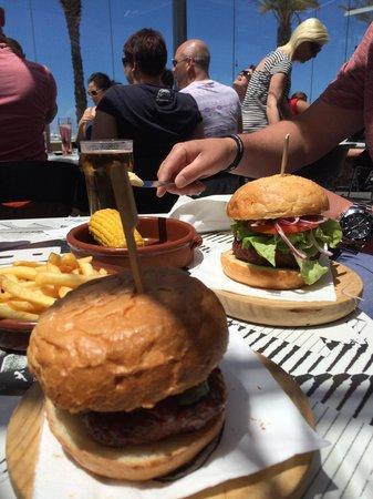 Ibiza Rocks Bar and Diner : Burgers !