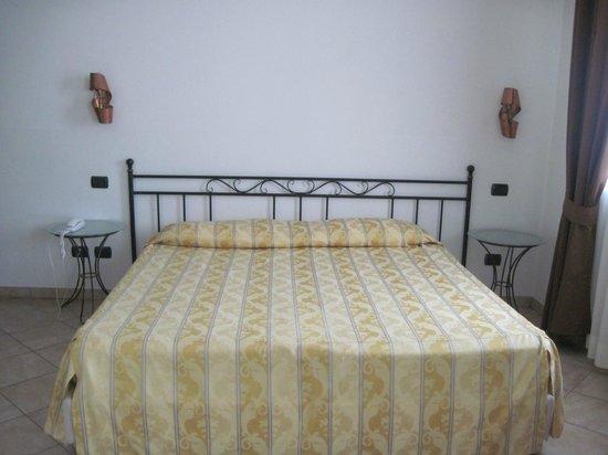 Hotel Italia: Hotel-triple room