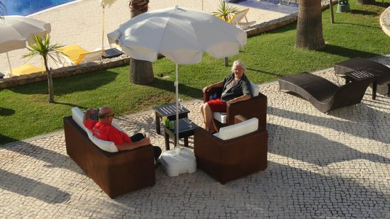 Vitor's Village Resort: even chillen langs het zwembad