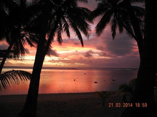 Sunhaven Beach Bungalows: Sonnenuntergang