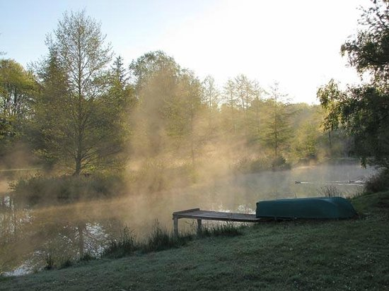 La Grange aux Herbes : Our pond in the morning mist