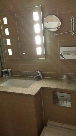 Mercure London Bloomsbury: La salle de bain