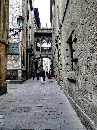 Ciutat Vella - Carrer del Bisbe
