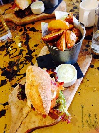 The Lemon Leaf Cafe: Rustic chicken & bacon
