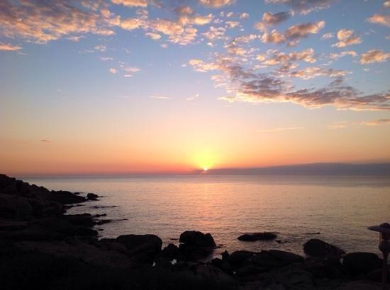 Club Med Sant'Ambroggio : coucher de soleil du balcon chambre 413