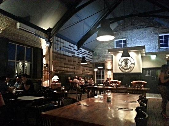 George's Hall Bar & Grill: eating area