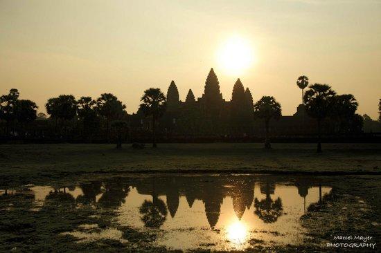 Peace of Angkor Tours: Angkor Wat at sunrise