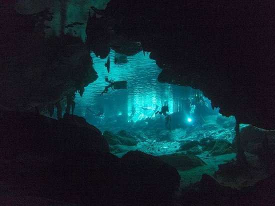 Edventure Tours: cave divers in Dos Ojos