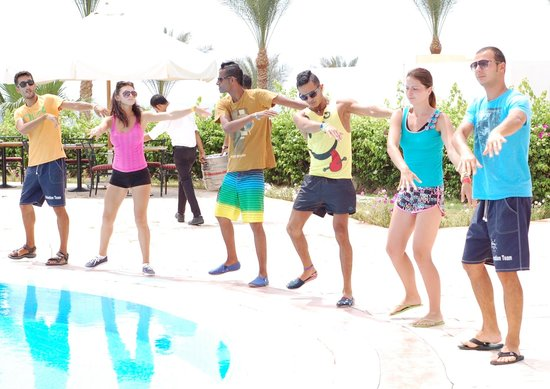 SunConnect Sunrise Diamond Resort: Dance