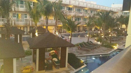 Henann Garden Resort: View of the pool