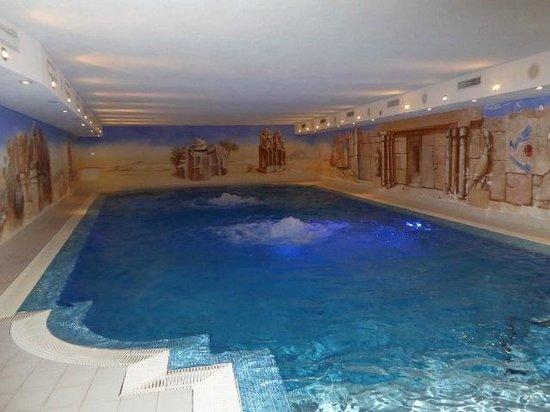 Romantik Hotel Julen : la piscine