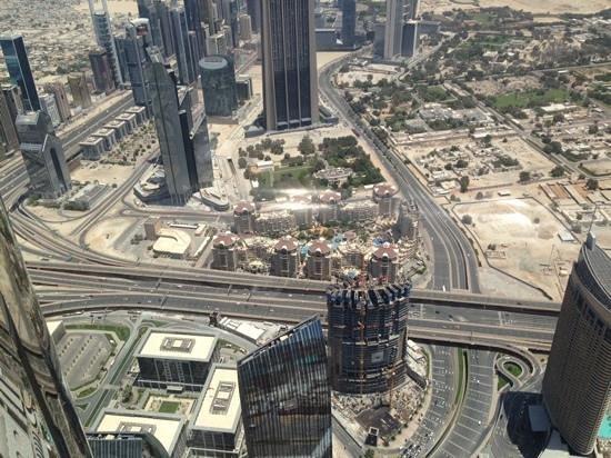 Burj Khalifa: just look