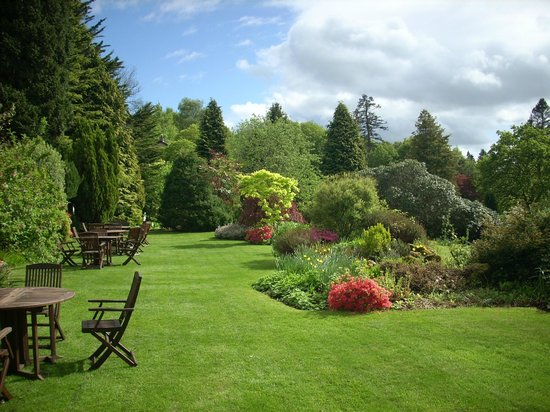 Lindeth Howe Country House Hotel: hotel gardens