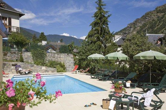 Altis Val Vert Hotel : Piscine d'été chauffée