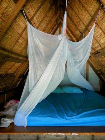 Ao Nuan Bungalows: moustiquaire et bon matelas