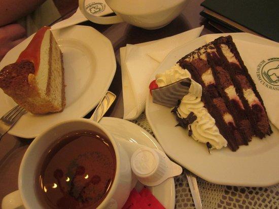 Ruszwurm: Два других тортика, названий которых мы не запомнили :)