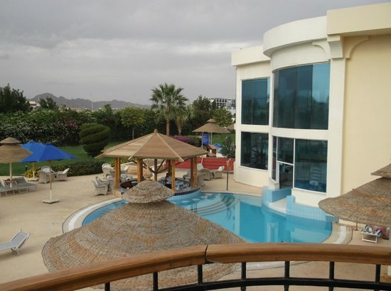Sierra Sharm El Sheikh : view of pool, bar & spa with indoor pool