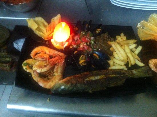 Chouchou: 100g crevettes 120g de calamar deux loup de mer 500g a40 d 20€ ,le poulet c pas congelé réchauff