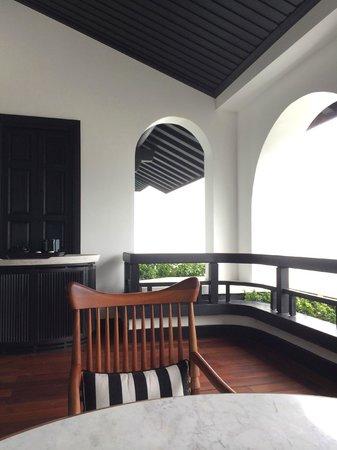 InterContinental Danang Sun Peninsula Resort: 海が見える広いテラスがあります