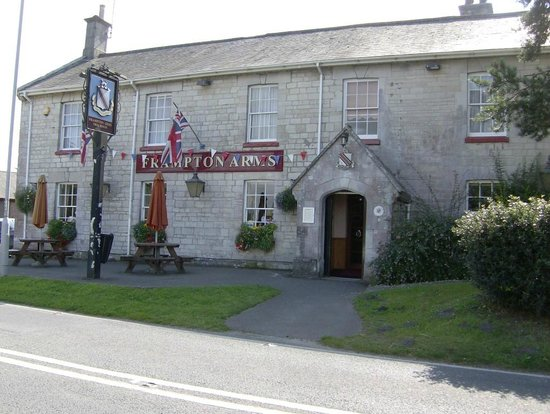 The Frampton Arms: front entrance