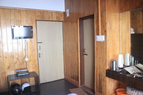 Kurseong Tourist Lodge : room