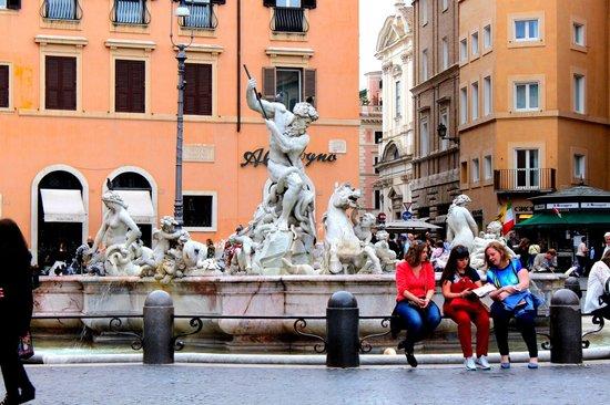 Easitalytours: Piazza Navona