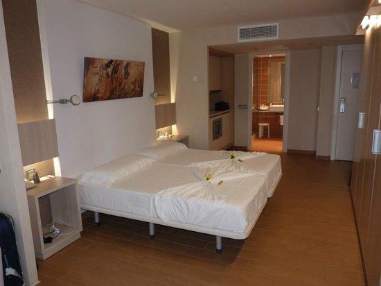 Be Live Experience Lanzarote Beach: bedroom 2210