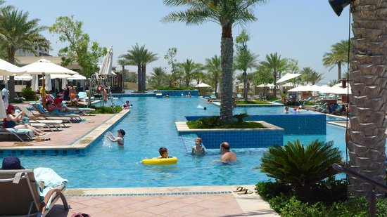 The St. Regis Saadiyat Island Resort: swimming pool
