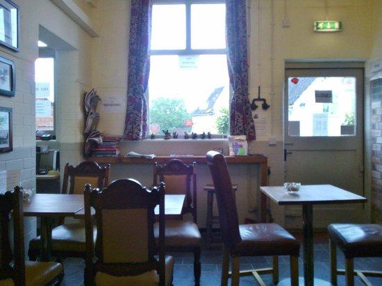 Blueberry Tearoom: Interior