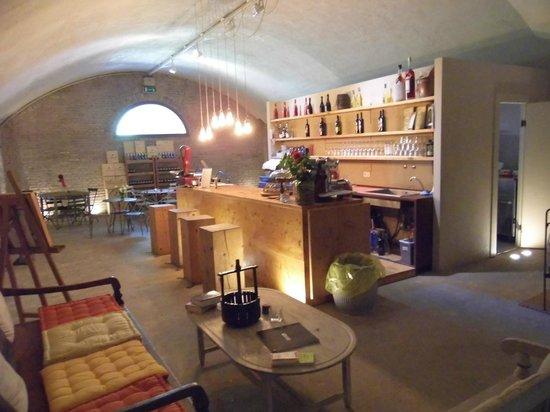 Castello di Lispida: cantina