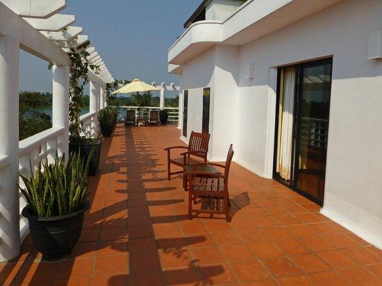 La Residence Hue Hotel & Spa: Colonial Suite, Room 301, Balcony