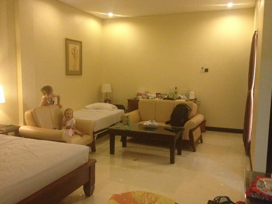Pelangi Bali Hotel: Super deluxe room with extra bed