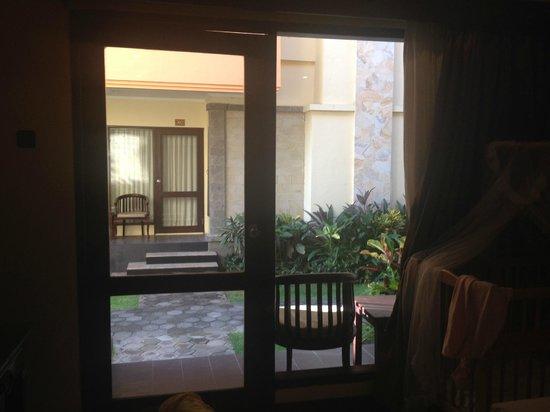 Pelangi Bali Hotel: Ground floor super deluxe view from room