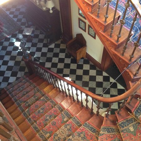 Mandelson's of Goulburn: Staircase leading to front entrance