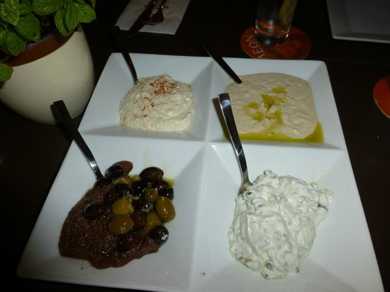 Mojito Bar & Grill: Cypriot dips!