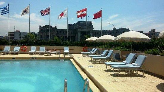 Sheraton Lima Hotel & Convention Center: бассейн