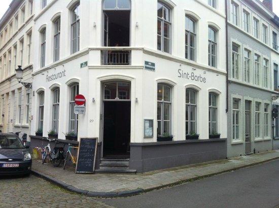 Bistro Sint Anna: The restaurant exterior