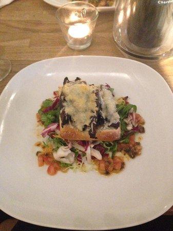 The Artisan Bar & Grill: Starter - Mushroom bruschetta