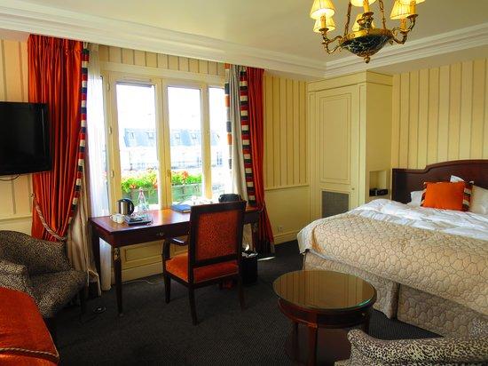Hotel Napoleon Paris: 室内