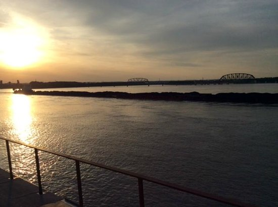Belle of Louisville & Spirit of Jefferson: As we were docking
