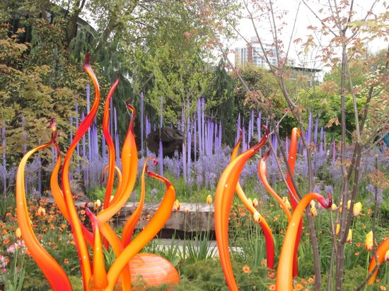 Chihuly Garden and Glass : Outdoor Garden