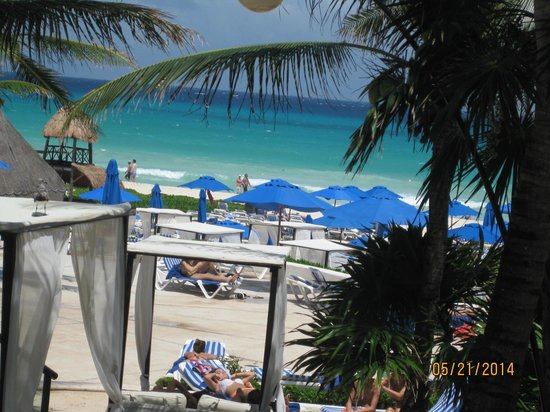 The Reef Playacar: beach