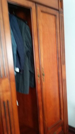 Hotel Rezime Residence: Wardrobe