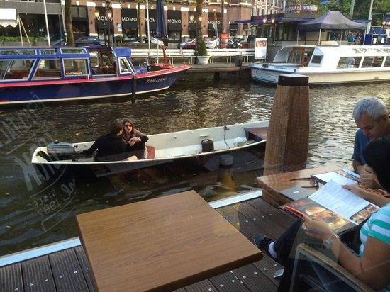 Hard Rock Cafe Amsterdam: Boat