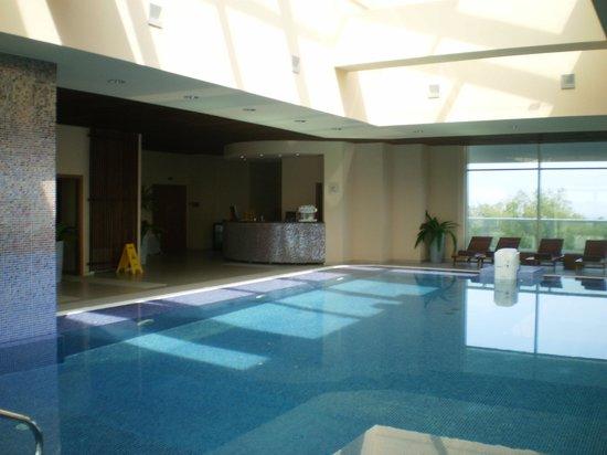 Cocor Spa Hotel : piscine eau salée à 38°du SPA au 3ème étage