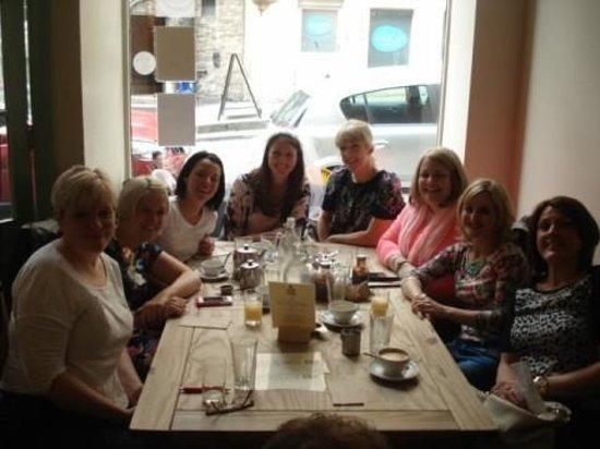 Edinburgh Larder Cafe: Satisfied & Smiling!